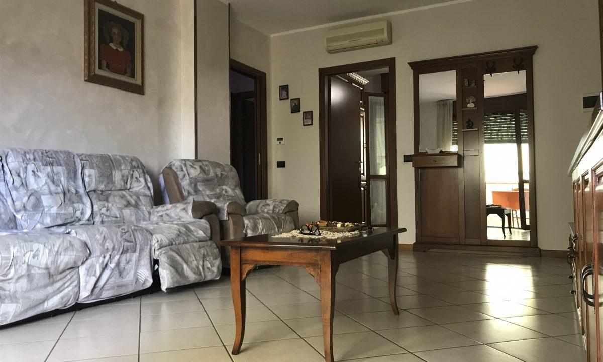 4338(1)cadebosco-appartamento-tre-camere-reggio-emilia